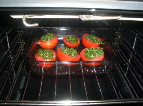 tomates com ervas ao forno