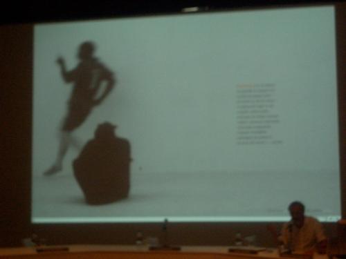 ass artes cênicas como música, teatro e dança também tem presença na Trienal de Luanda