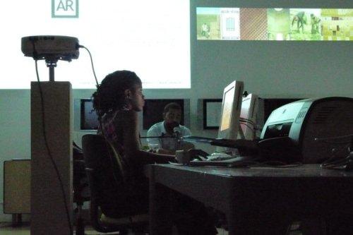 Marita Silva, diretora da FSD, e Carlos Antunes, arquiteto angolano falando sobre sua participação na II TL