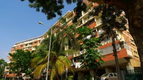 o famoso prédio livro, um prédio residencial com esse nome por causa do formato